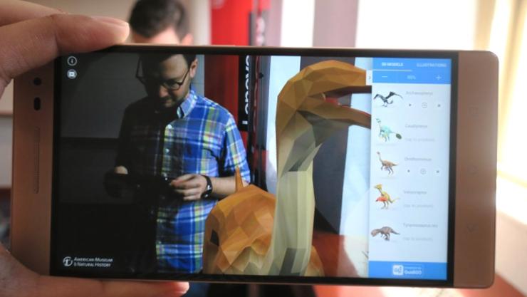 Lenovo lanza smartphone que capta entorno con tecnología Google